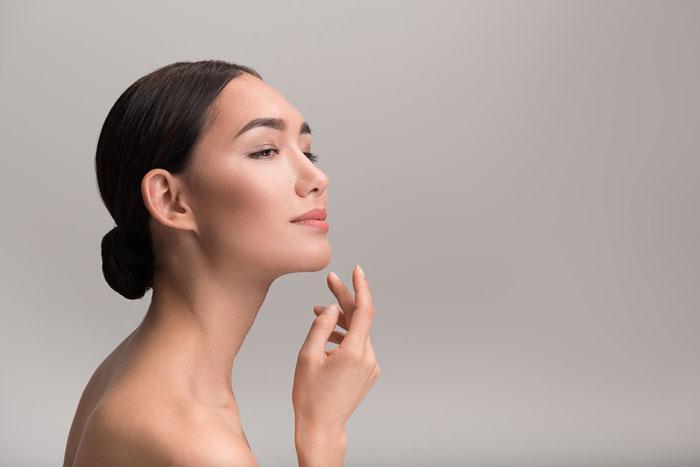 """Dünyaca ünlü Dermatolog Dr. Patricia Ogilvie: """"Çene hattına küçük bir dokunuş ile uzun süren gençlik mümkün"""""""