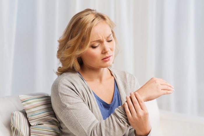 Romatoid artrit kadınlarda 3 kat daha fazla görülüyor