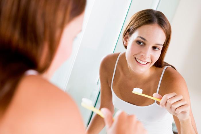 Anne adayları dikkat! Önce gargara yapın, sonra dişlerinizi fırçalayın
