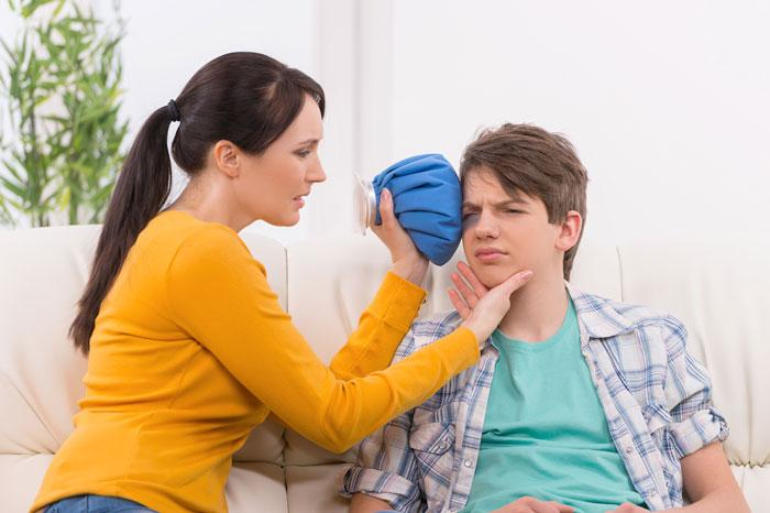 Göz yaralanmalarında yanlış müdahale körlüğe yol açıyor