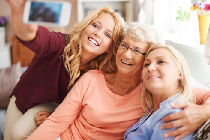 Üç nesil bir arada gülüşünüzü yeniden tasarlatın