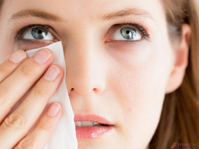 Kirpik diplerinizi yeterince temizliyor musunuz?