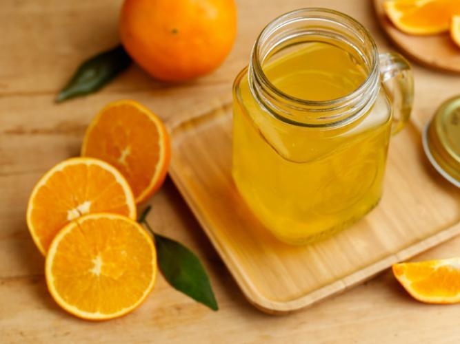 Korona virüsünden korunmak için aşırı tüketilen C vitamini, idrar kaçırmaya yol açabilir